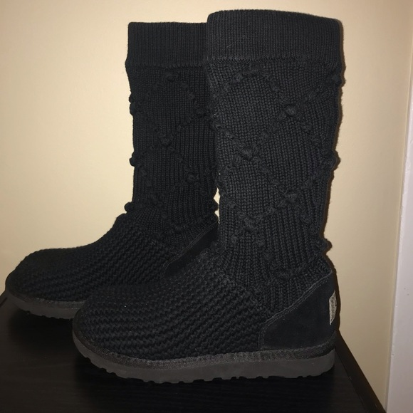 UGG Shoes | Size 7 Black Sweater S
